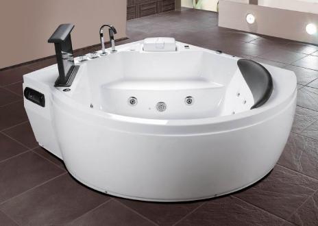 luxe whirlpool met TV